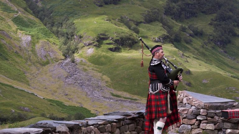 Inside Scotland – Culture, and Economy